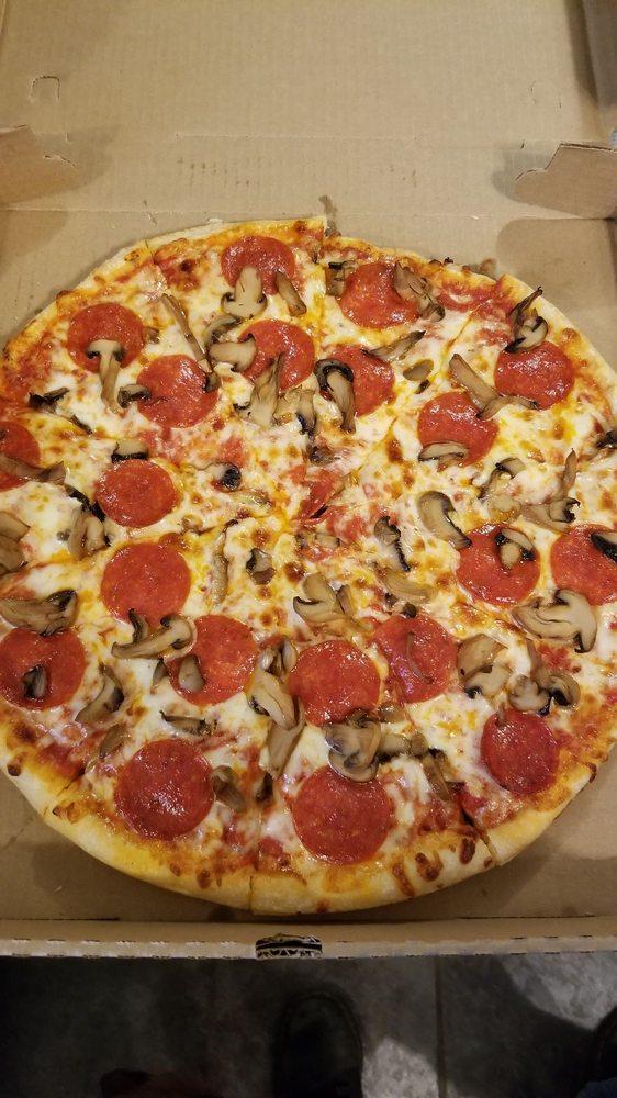 Tiger Den Pizza: 96 E Broad St, Newton Falls, OH