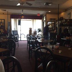 Photo Of Franks Pizzeria Restaurant Wyandotte Mi United States Dining Area