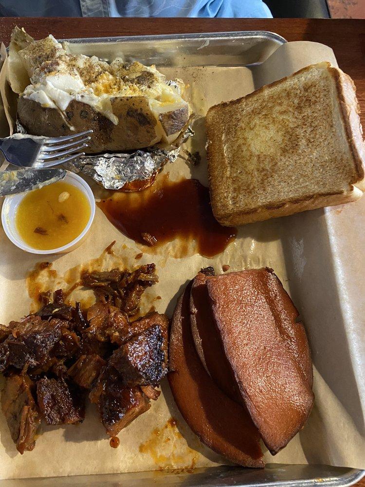 BrickHouse Barbecue & Brew: 24 E 2nd St, Liberal, KS