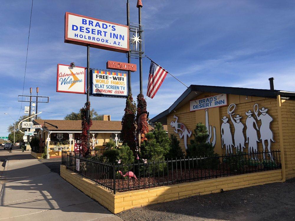 Brad's Desert Inn: 301 W Hopi Dr, Holbrook, AZ