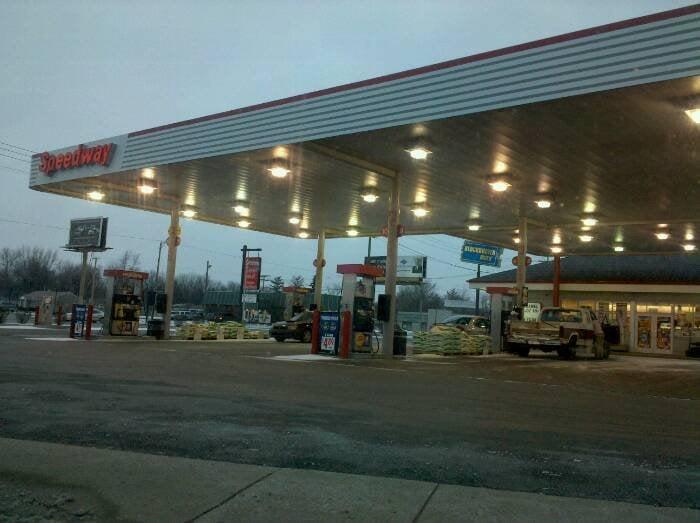 Speedway Petroleum: 3210 N Wheeling Ave, Muncie, IN