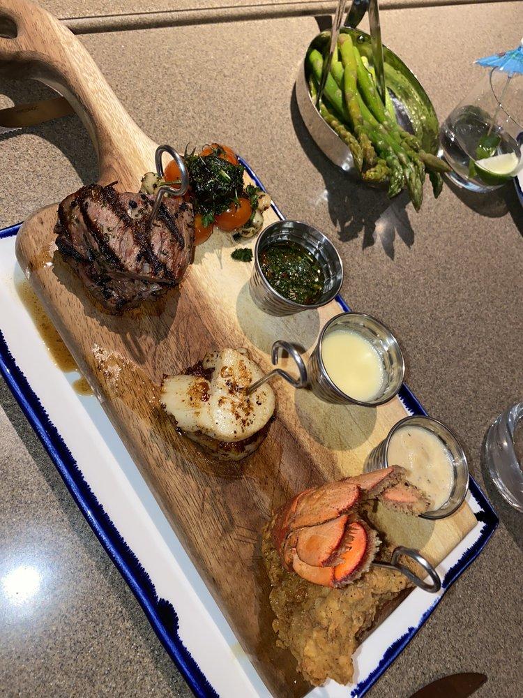 Bay View Restaurant & Bar: 4401 Cottonwood Dr, Cottonwood Shores, TX