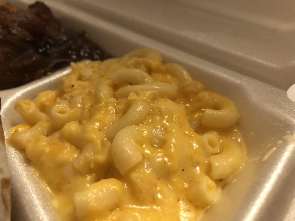 Alani's Soul Kitchen: 28920 Schoenherr Rd, Warren, MI