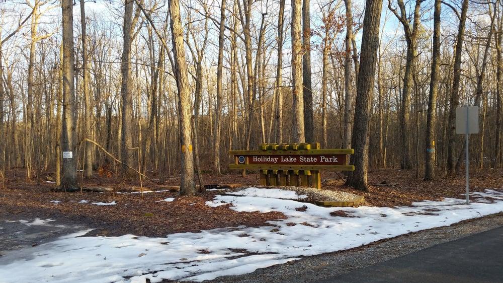 Holliday Lake State Park: 2759 State Park Rd, Appomattox, VA
