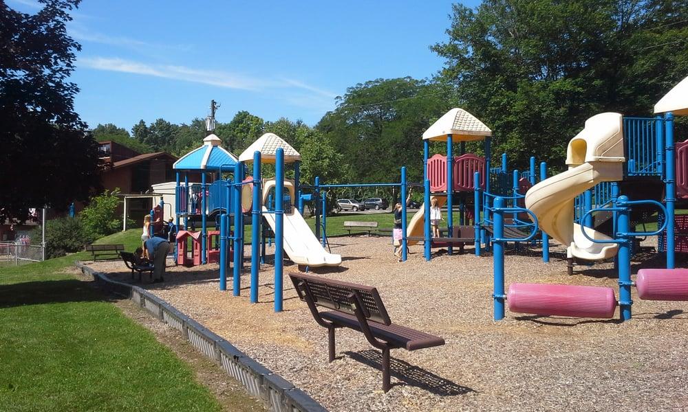 Social Spots from Freedlander Park