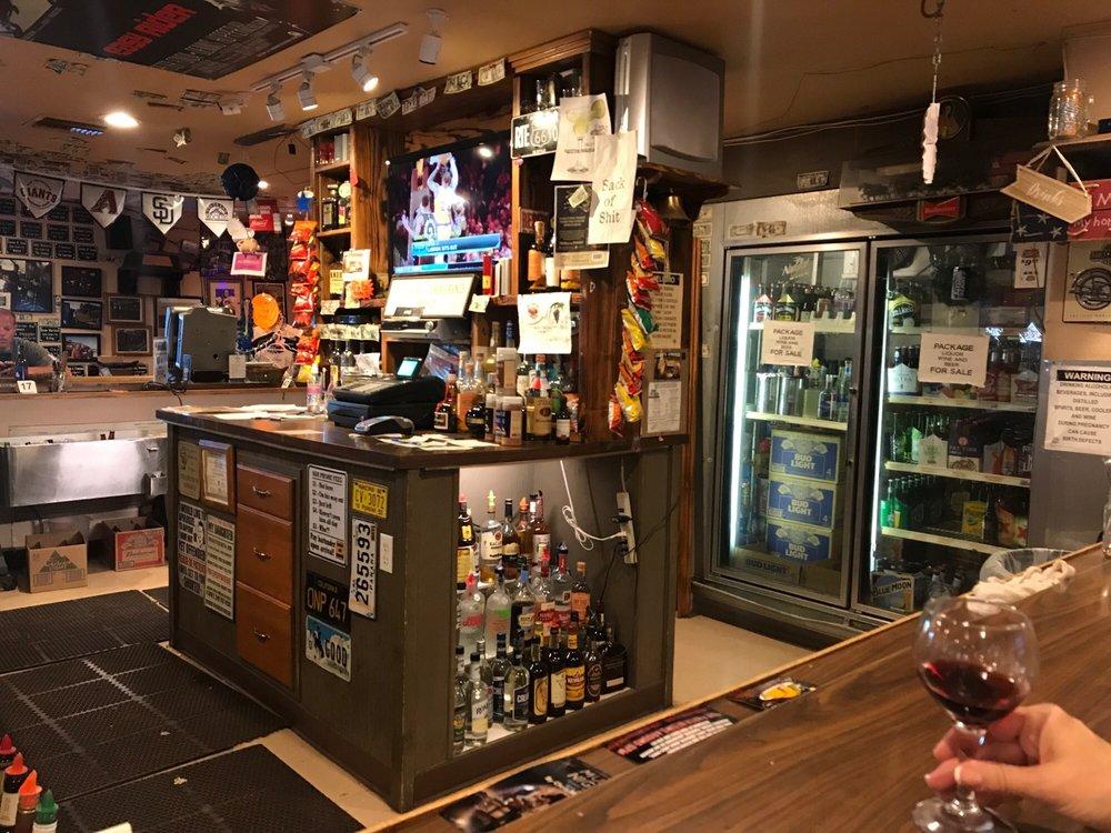 Jakes Corner Bar: 57564 N Az Highway 188, Payson, AZ