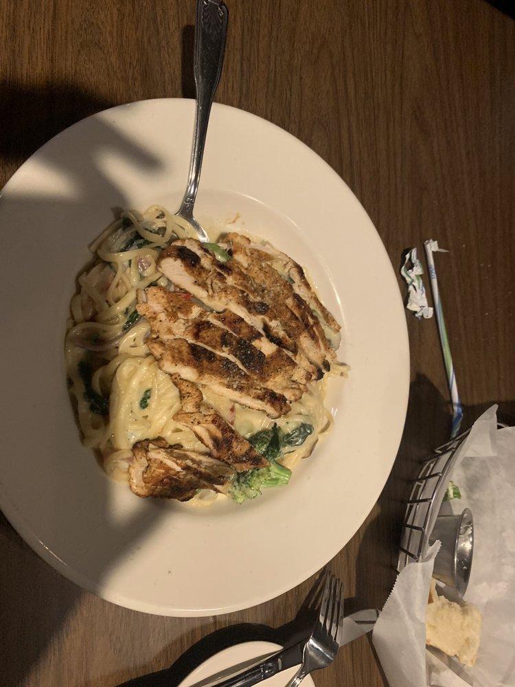 Spiro's Restaurant: 2275 Bluestone Dr, Saint Charles, MO