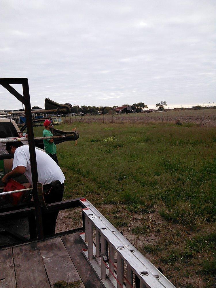 Hernandez Lawn Service: 1006 San Jose St, Alice, TX