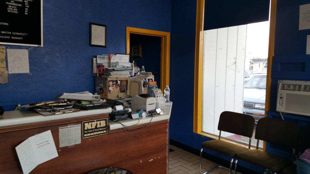 In-N-Out Automotive Repair: 702 N Baldwin, Marion, IN