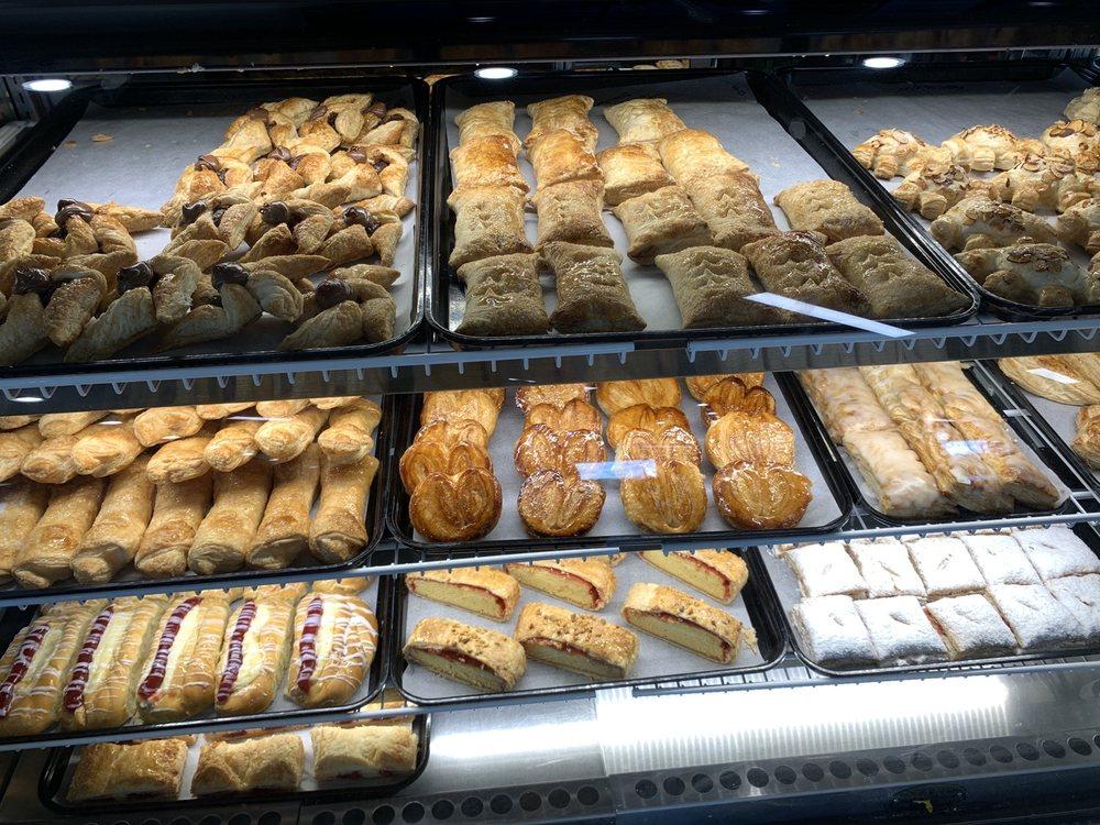 Florida Bakery: 3425 W Vine St, Kissimmee, FL