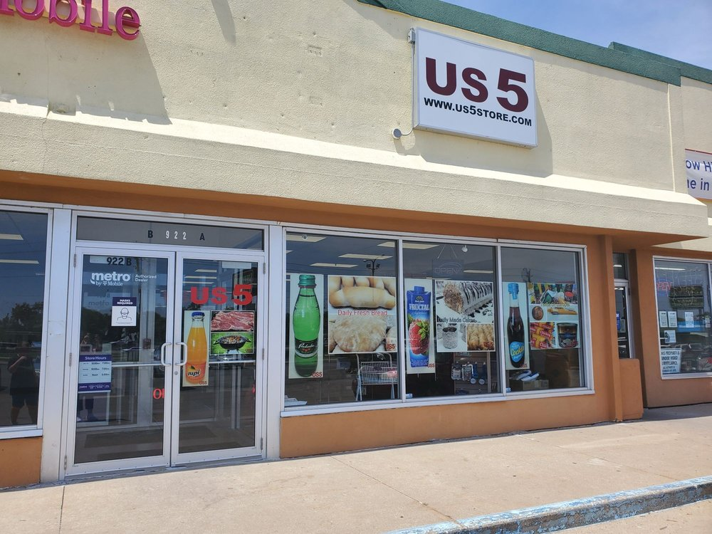 US 5 Grocery: 922 La Porte Rd, Waterloo, IA