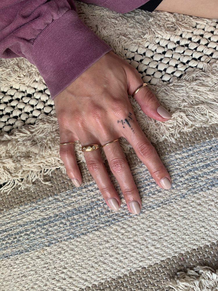 Le Nails: 9501 N Rodney Parham Rd, Little Rock, AR