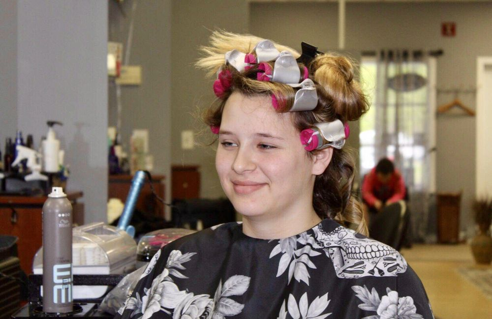 Head First Hair Design: 140 Albany Tpke, Canton, CT