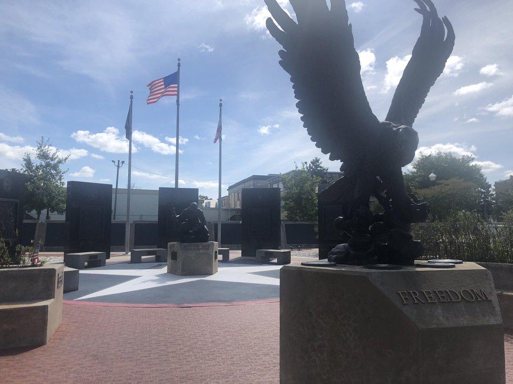 Santa Rosa County Veterans Memorial Park: 5191 Willing St, Milton, FL