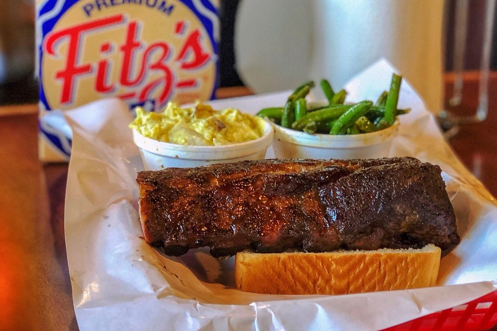 Pappy's Smokehouse: 3106 Olive St, Saint Louis, MO