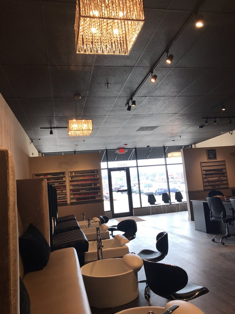 Nova nail bar: 5940 E State St, Rockford, IL