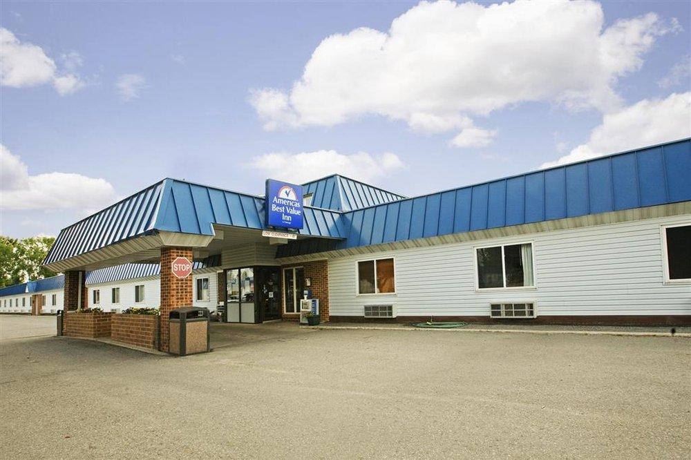 Americas Best Value Inn Grand Forks: 1000 North 42nd Street, Grand Forks, ND