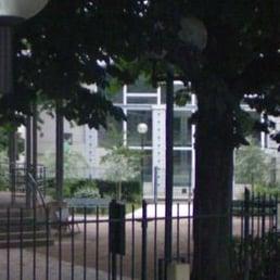 Piscine h bert schwimmhalle freibad 2 rue des fillettes 18 me paris frankreich for Piscine hebert