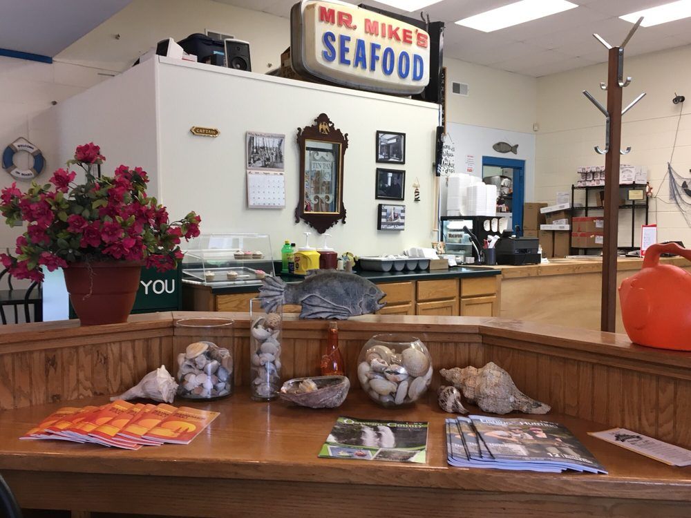 Mr. mike's seafood: 711 W Broadway, Fulton, NY