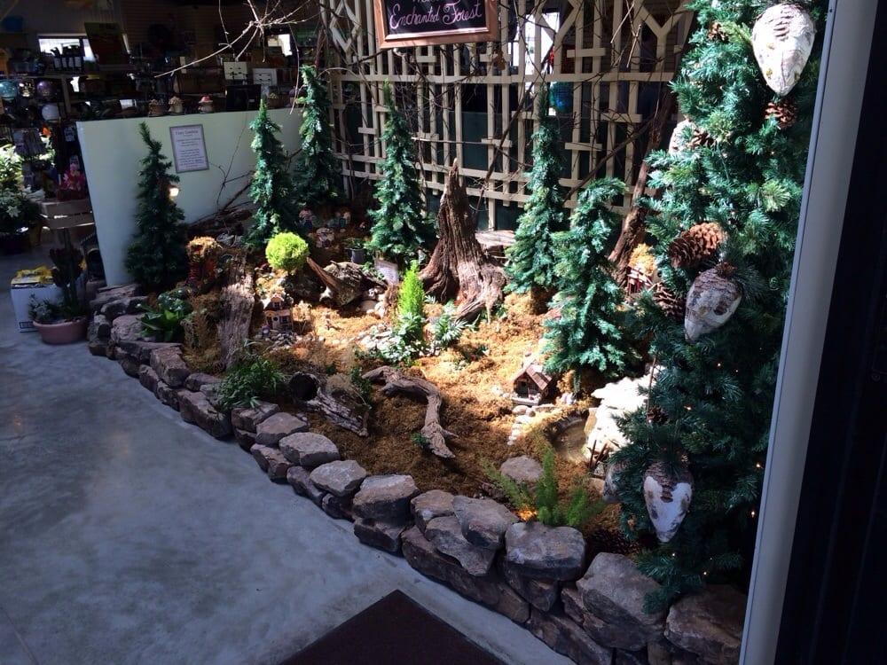 Longfellow's Garden Center: 12007 Lookout Trl, Centertown, MO