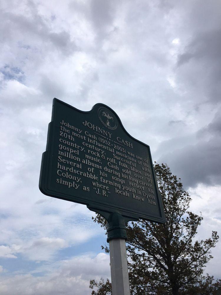 Johnny Cash Boyhood Home: 110 Center Dr, Dyess, AR