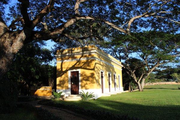 Chabl complejos tur sticos tablaje 642 chochol for Hotel casita amarilla
