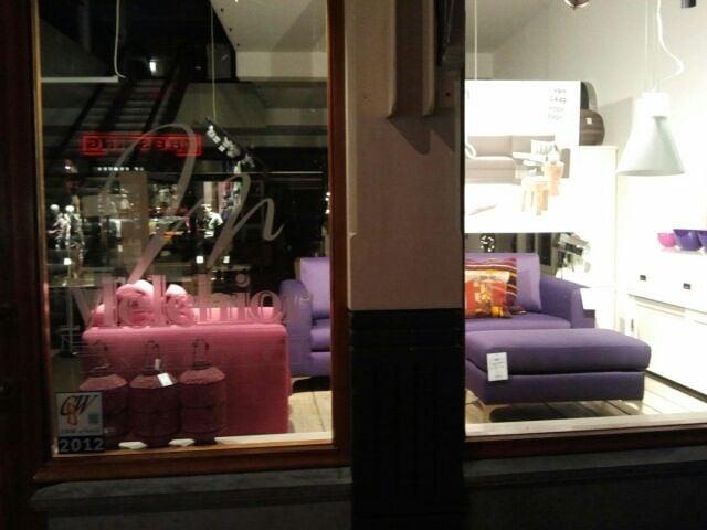 Melchior interieur meubelwinkels heulstraat 7 den for Loft interieur den haag