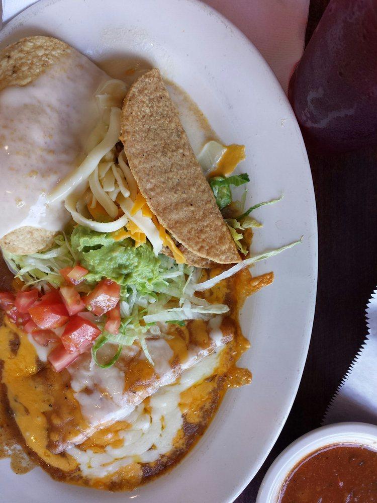 Los Jarritos Mexican Restaurant: 903 N Temple Dr, Diboll, TX
