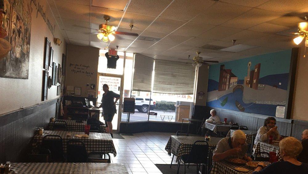 Bella Cucina: 1507 Sun City Ctr Plz, Sun City Center, FL