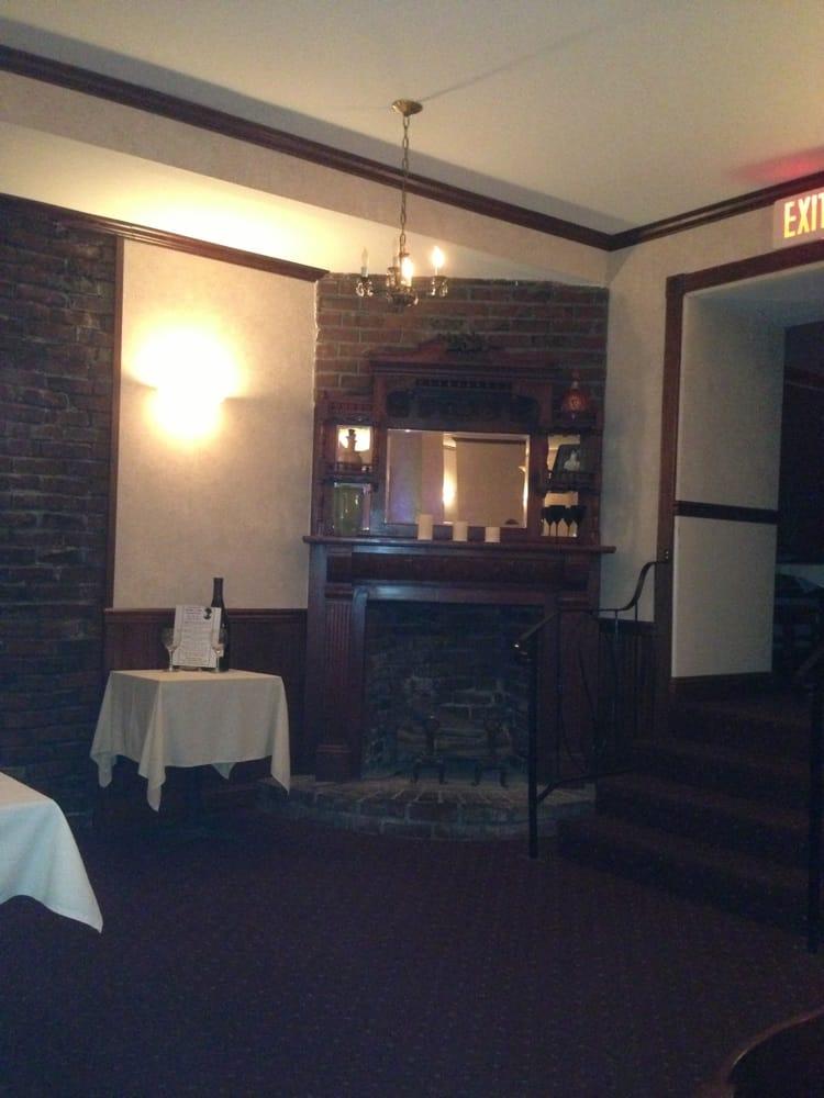 Black Bart Restaurant - Amerikansk mat (traditionell) - 55 W Saint Charles St, San Andreas, CA ...