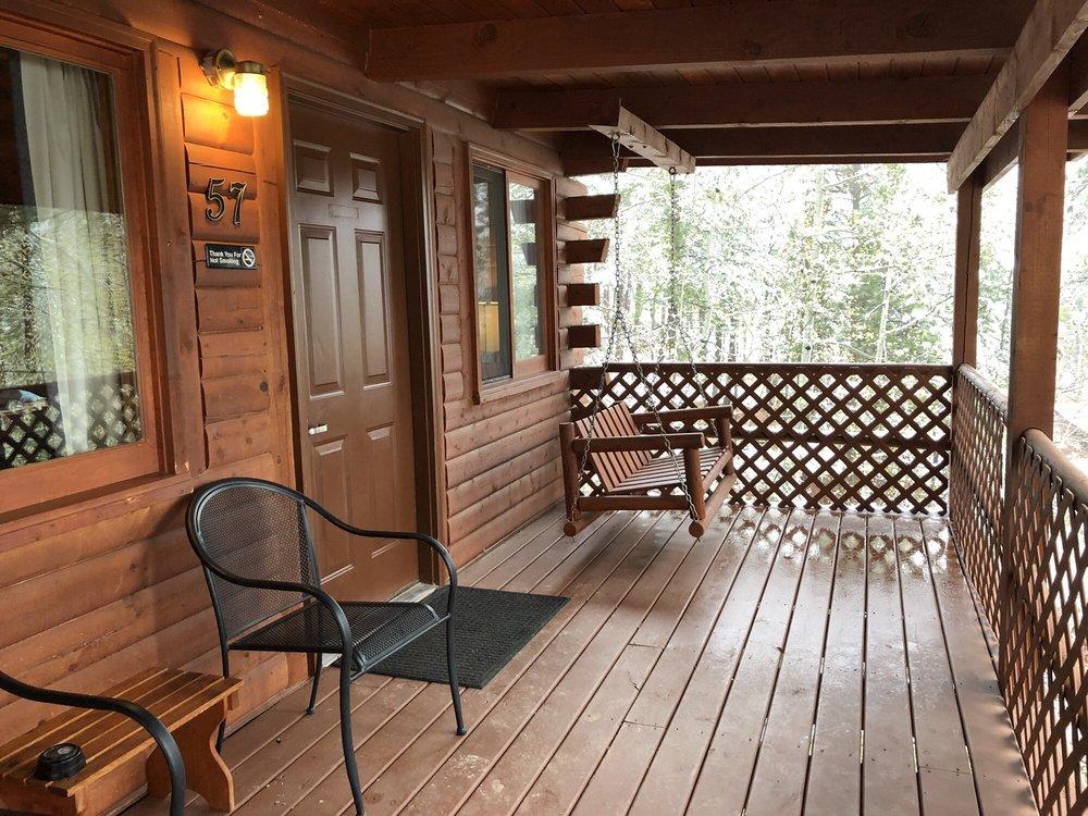 Powder House Lodge: 24125 Hwy 16A, Keystone, SD