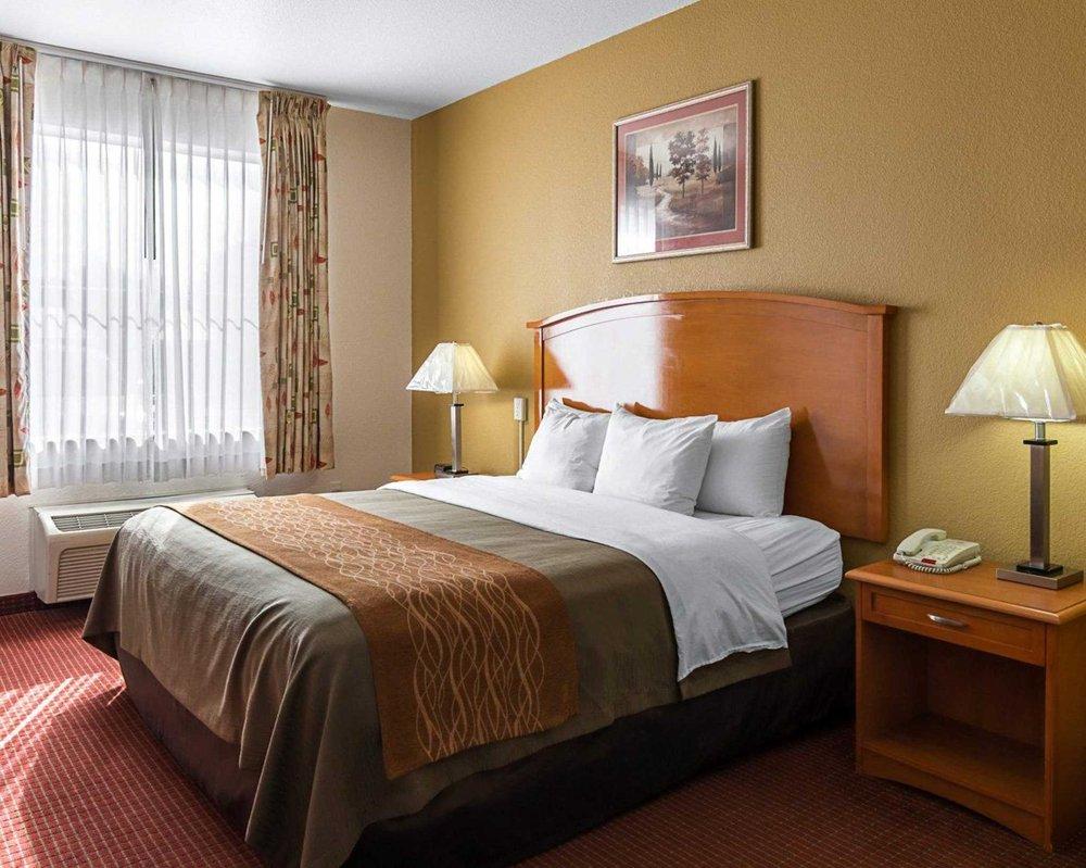 comfort inn suites 41 photos 22 reviews hotels 3355 s