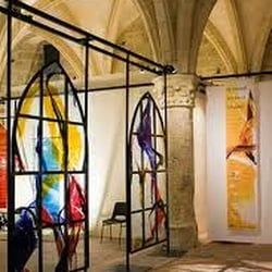 centre international du vitrail installation de fen tres 5 rue cardinal pie chartres eure. Black Bedroom Furniture Sets. Home Design Ideas