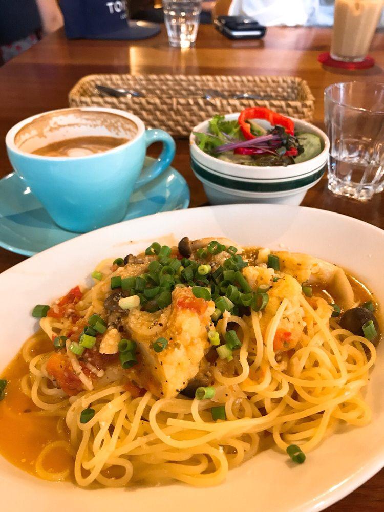 Iriya Plus Cafe