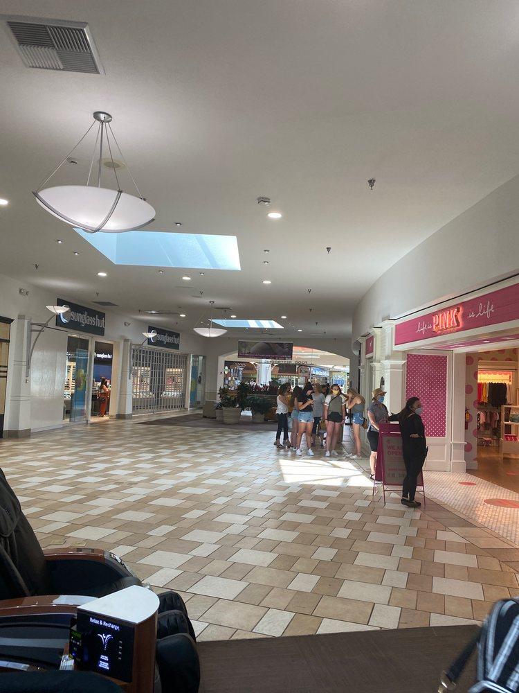 Mt Shasta Mall