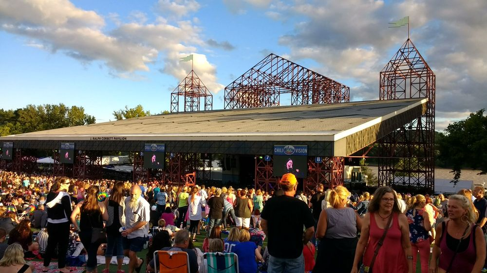 Social Spots from Riverbend Music Center