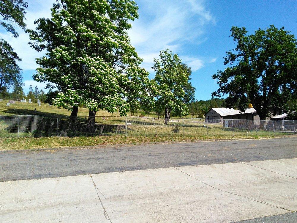 Photo of HALCUMB CEMETERY: Round Mountain, CA