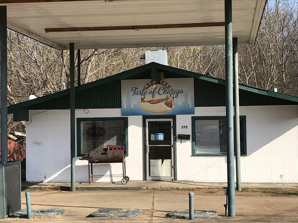 Little Taste of Chicago: 372 Hwy 51 S, Batesville, MS
