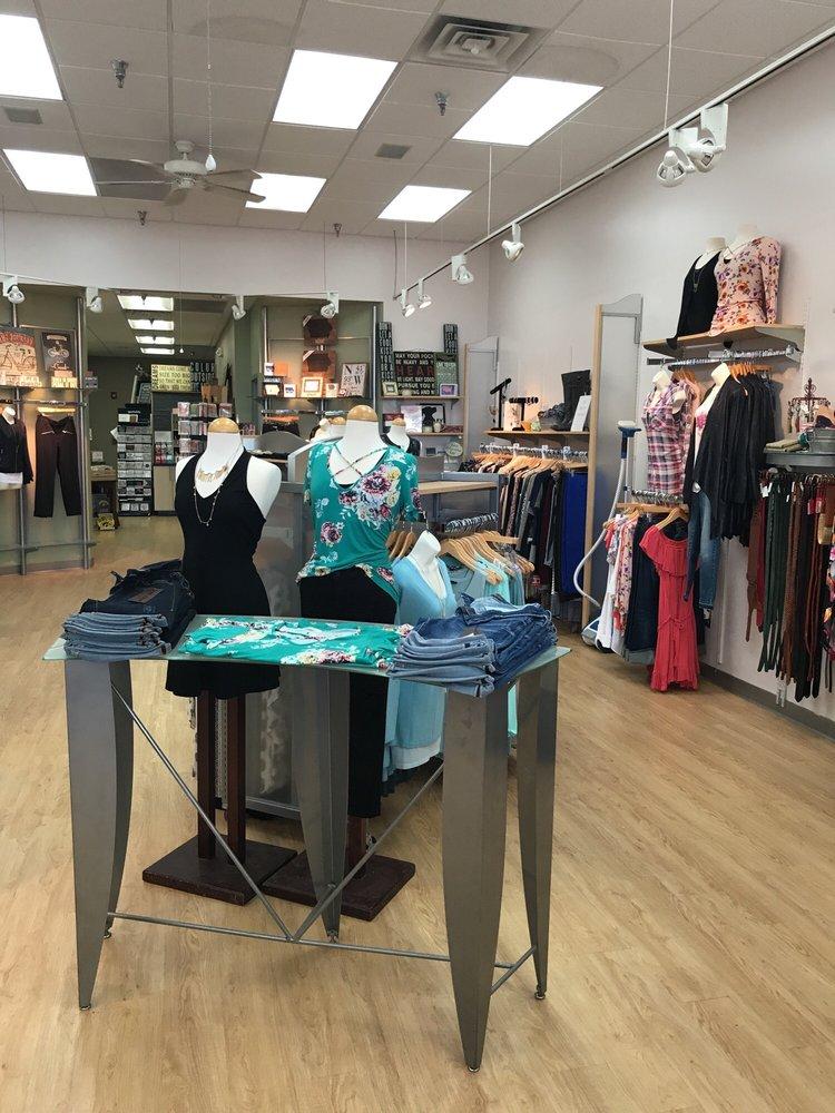 Fusion Boutique: 4100 University Ave, Des Moines, IA