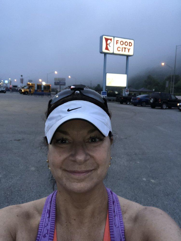 Hatfield-McCoy Marathon: 25 E 2nd Ave, Williamson, WV