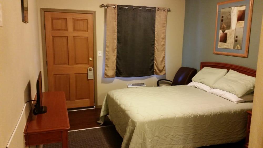 Alpine Lodge Motel: 900 S Main St, Cascade, ID