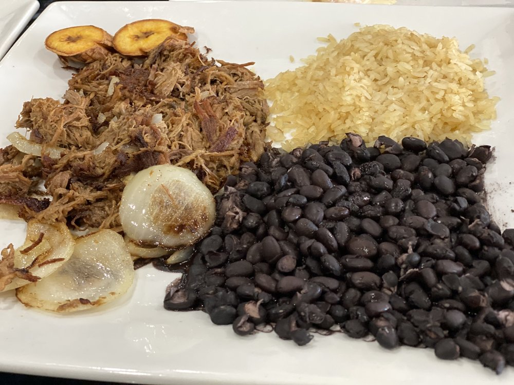 Mundos Latin Kitchen & Bar: 5493 N 17th St, Ozark, MO