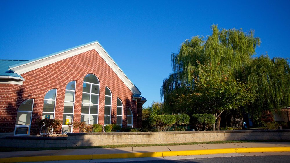 Guidepost Montessori at Broadlands: 42945 Waxpool Rd, Ashburn, VA