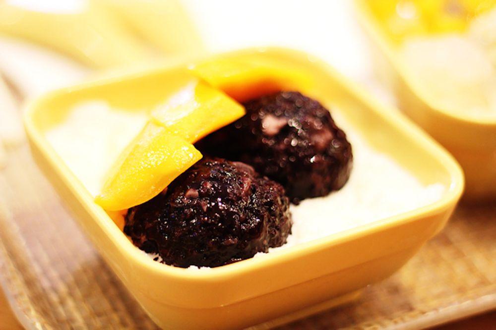 Food from Poké Lab