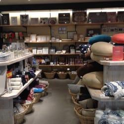 muy mucho ginza closed gift shops 銀座5 7 10 有楽町駅 chūō