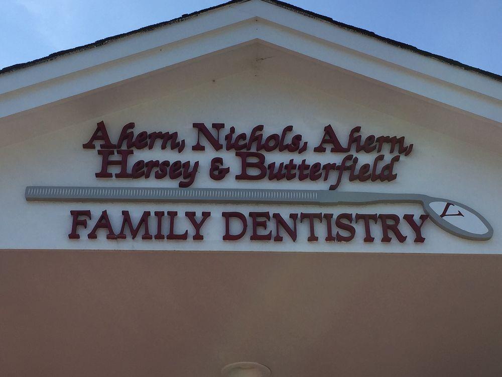 Ahern Nichols Ahern & Hersey DDS: 30 Pinkerton St, Derry, NH