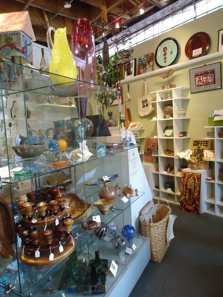 Kentuck Art Center & Museum: 503 Main Ave, Northport, AL