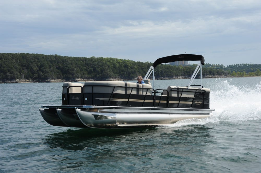 encore corrected pontoons builders tritoon bentley boat boats cruise watersports lake county