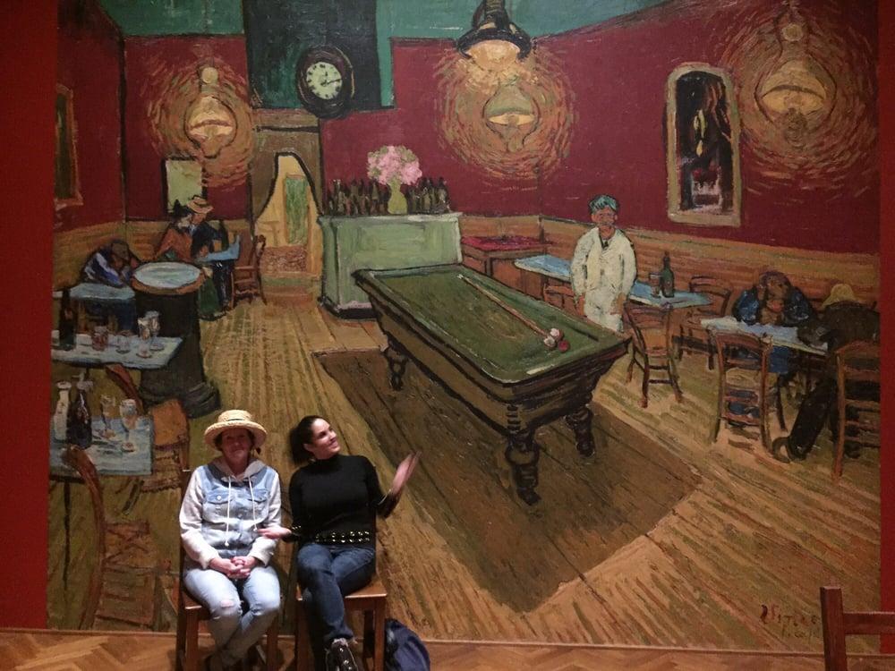 Van Gogh's Bedrooms: 111 S Michigan Ave, Chicago, IL