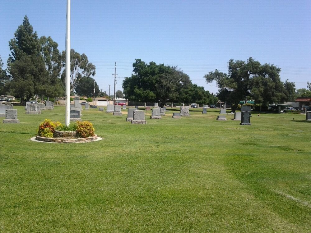 Photos for Oakdale Mortuary & Oakdale Memorial Park - Yelp